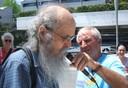 Leonard Roy Frank, electroshock survivor, protests American Psychiatric Association 2009.